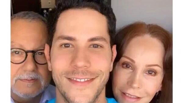 José Luis Chávez, Christian Chávez y Oliva Garza.