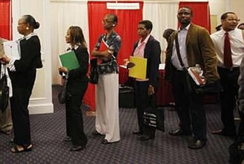 Tras la debacle económica, Estados Unidos reportó una pérdida de 85,000 empleos.  (Foto: Reuters )