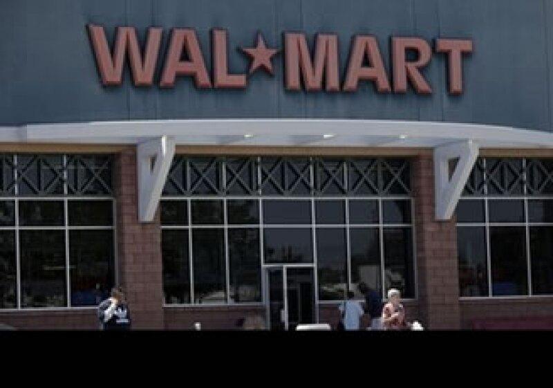 Las acciones benéficas de Wal-Mart se contraponen a las recientes críticas por su política laboral. (Foto: AP)