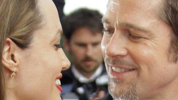 SÍ HAY AMOR. Según Brad y Angelina se separaban. Es cierto que amor no basta para mantener una relación y además, y bien dicen que éste no es eterno, pero por lo pronto esas miradas dicen que se quieren.