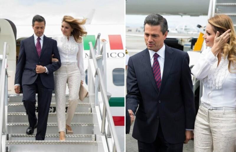 Angélica eligió un outfit en tonos neutros para su llegada en el avión presidencial al Aeropuerto de Los Ángeles, California.
