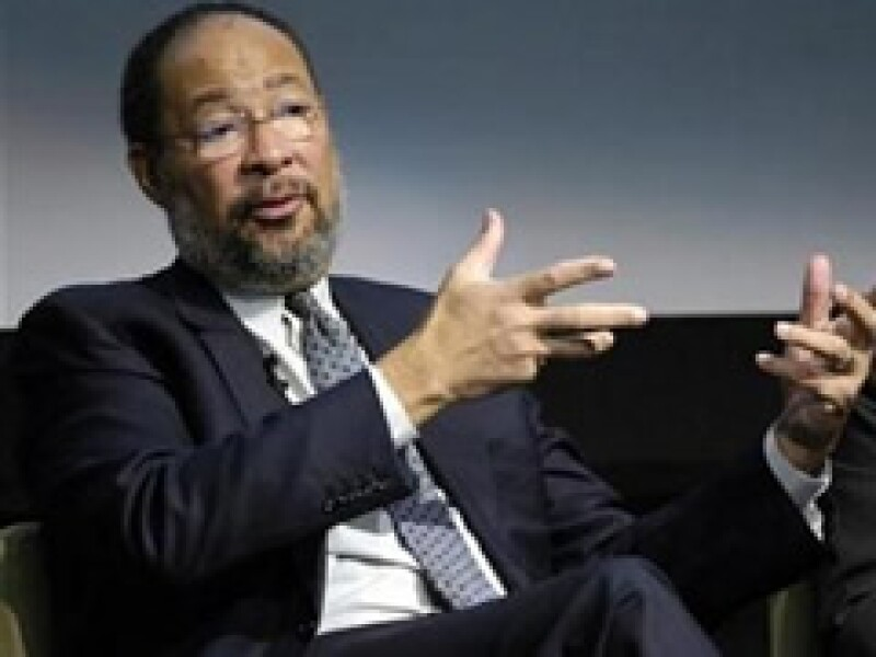 Richard Parsons busca ayudar a Citigroup a recuperarse de cinco trimestres consecutivos de pérdidas. (Foto: Archivo)