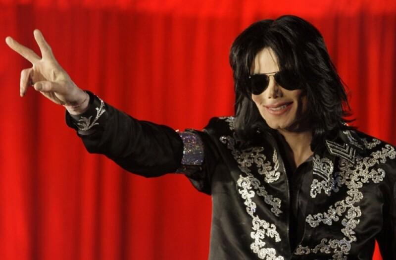 En la tercer semana de juicio contra Conrad Murray, se dieron a conocer nuevas imágenes de Michael después de su muerte.