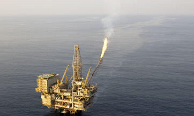 Los países del Golfo Pérsico han dejado claro que están listos para soportar los bajos precios que golpean a sus socios más débiles. (Foto: Getty Images )