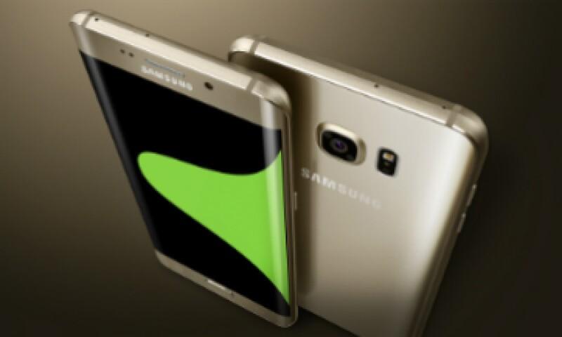 El tamaño de pantalla tiene grandes ventajas el S6 Edge Plus tiene una pantalla de 2,560 X1,140 píxeles de resolución con una densidad de pixeles de 518 ppi (Foto: Samsung/Cortesía )