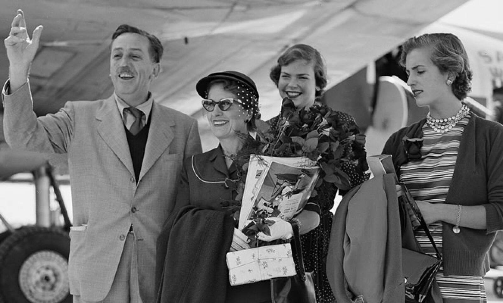 Walt Disney estuvo casado con Lilian Bounds, con la que tuvo dos hijas: Diane Marie y Sharon Mae.