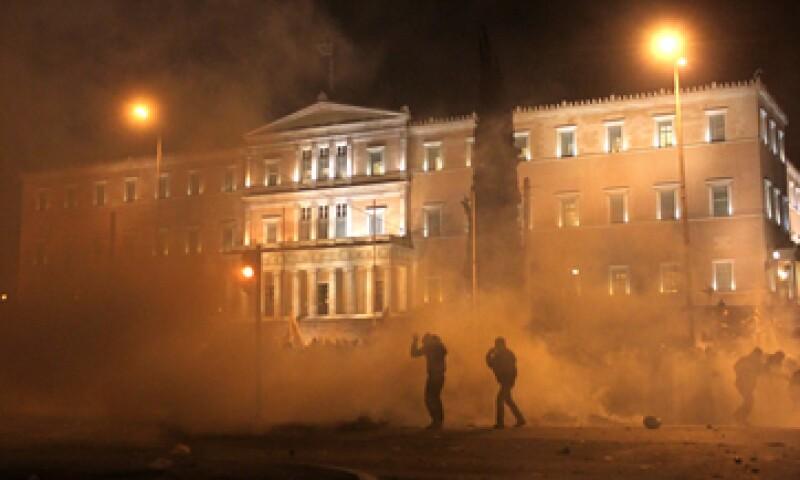 Los enfrentamientos estallaron por todo el centro de Atenas. (Foto: AP)