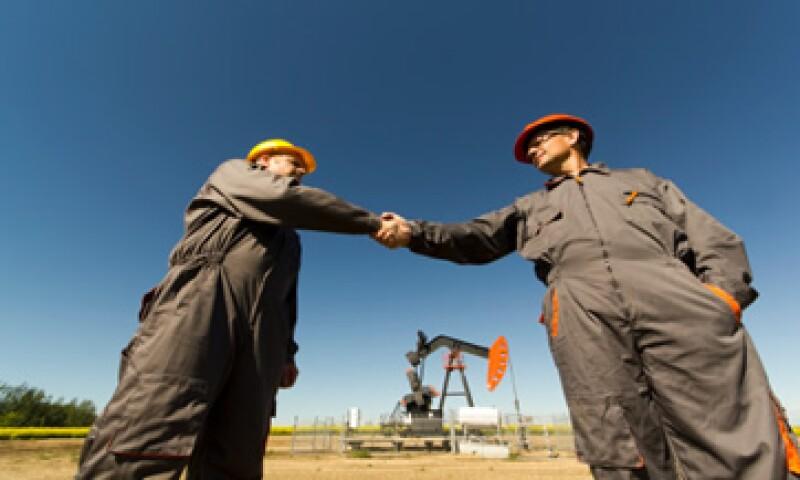 Pemex perderá su monopolio legal, mientras que CFE verá una mayor competencia. (Foto: Getty Images)