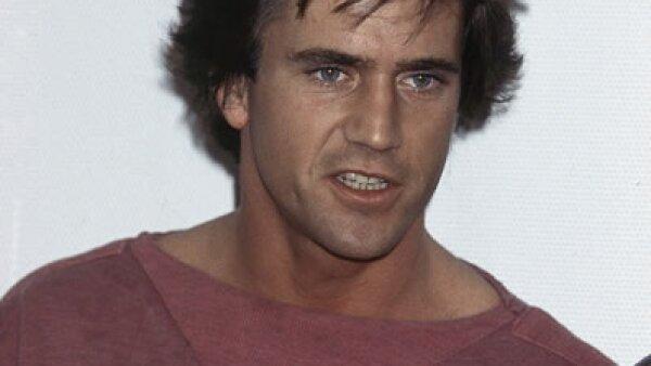 Mel Gibson nació en Peekskill, Nueva York, pero es considerado australiano pues se mudó ahí cuando sólo tenía 12 años. Fue en ese país donde estudió actuación. Aquí a los 27 años.