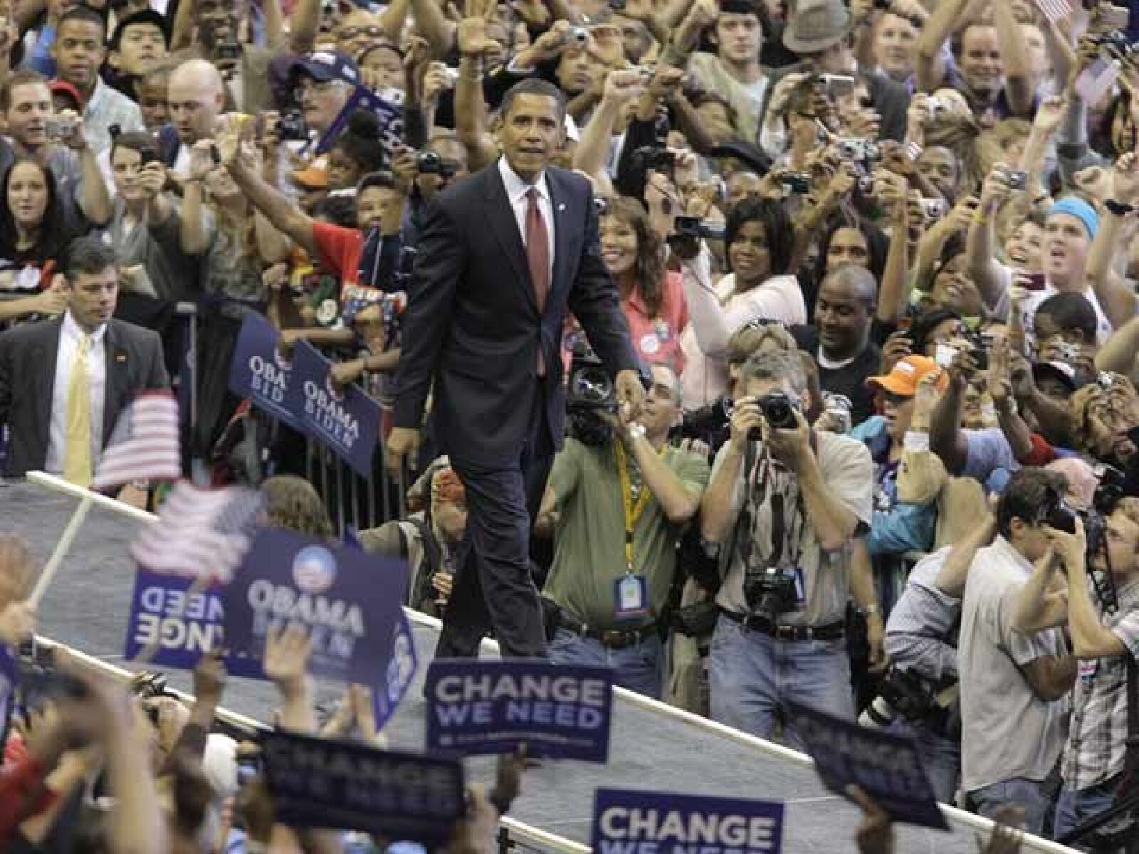 """""""Estamos a un sólo día del cambio"""", dijo el político afroamericano en Jacksonville."""