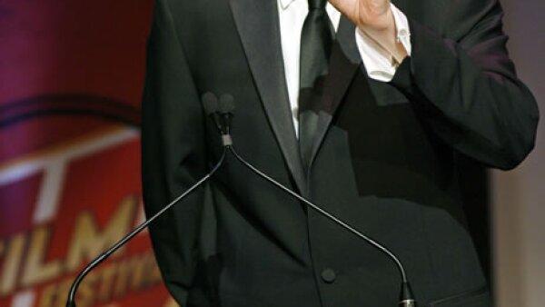El locutor de radio, Howard Stern, cuenta con 95 millones.