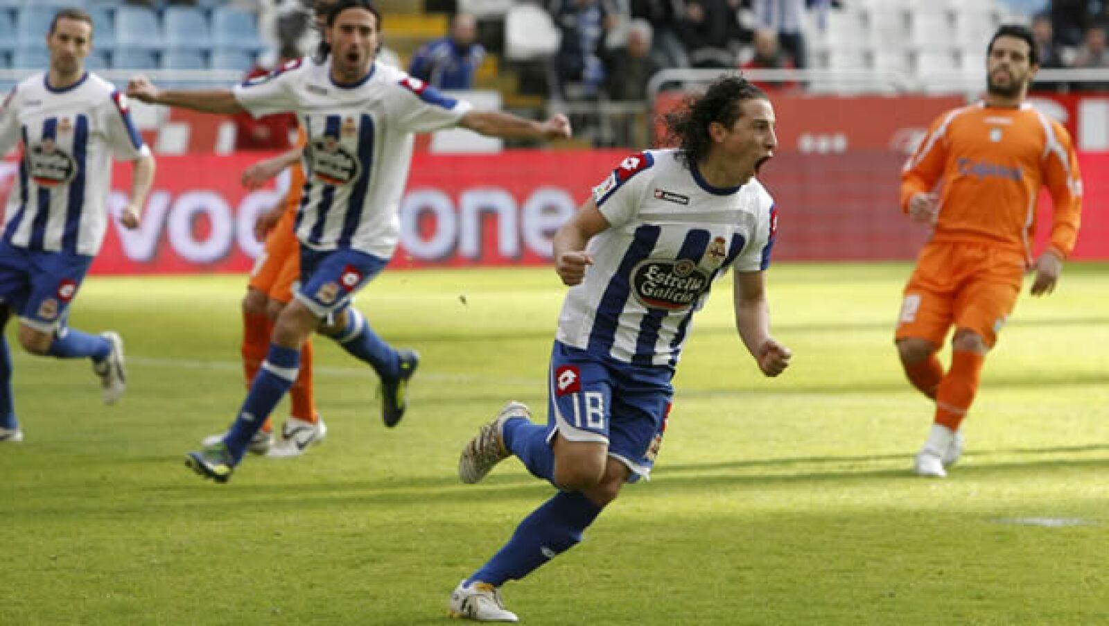 Andrés Guardado se ha ganado un lugar en el Deportivo La Coruña; su técnico, Miguel Ángel Lotina, desea tener más jugadores como él