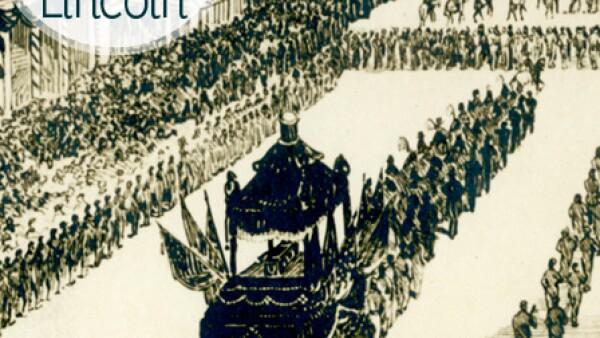 En 1860 tomó posesión de la presidencia de EU vistiendo un abrigo especialmente confeccionado para él por Brooks Brothers, con un águila y la inscripción `Un país, un destino´ cocidos a mano dentro, mismo que usó el día de su asesinato en el Teatro Ford.