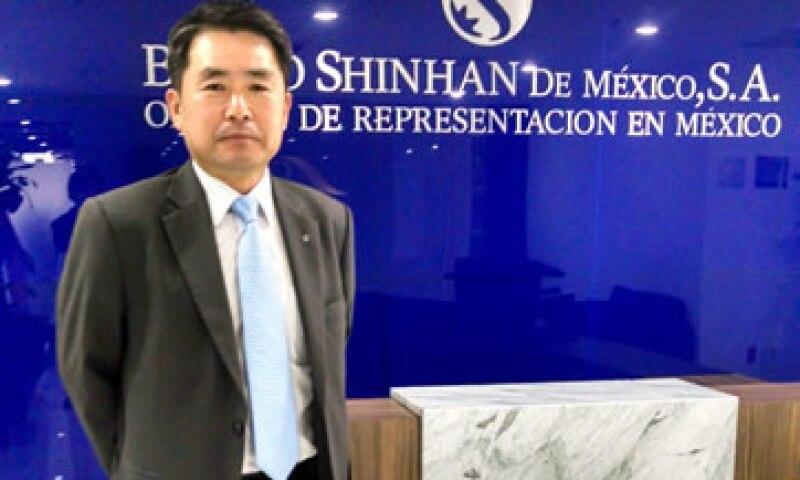 Shinhan Bank de México estará bajo el mando de E.K. Choi.(Foto: Adrián Estañol )