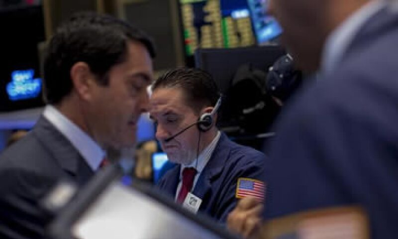 El índice industrial Dow Jones bajaba 0.64%. (Foto: Reuters)
