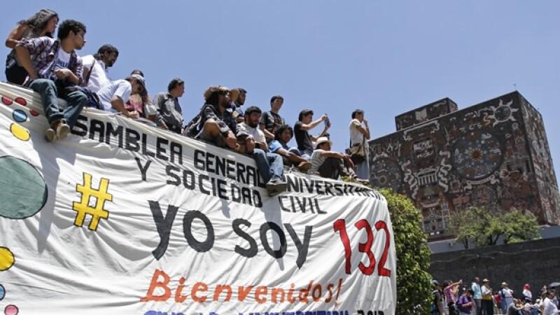 integrantes del yosoy132 en la unam