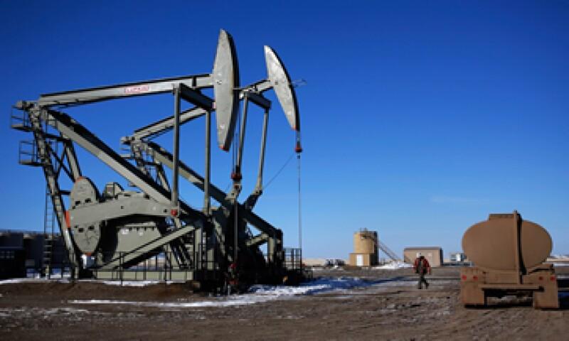 Los expertos estiman que el petróleo siga por debajo de los 100 dólares por barril por un corto y mediano plazo.  (Foto: iStock by Getty Images. )