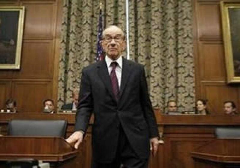 El ex presidente de la Reserva Federal dijo que el alza en los precios es el mayor desafío que enfrenta EU. (Foto: Reuters)