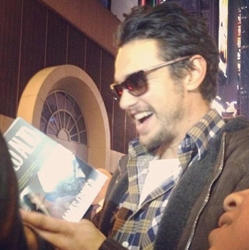 Tras una de sus presentaciones en Nueva York, el actor se tomó una foto con una fan a quien, supuestamente, insistió que se vieran más tarde en el hotel en el que ella se hospedaba.