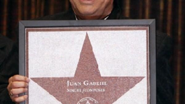 A pocas semanas de que el cantante mexicano fuera reconocido en el Paseo de las Estrellas, dicha ciudad estadunidense celebrará este jueves el cumpleaños del Divo de Juárez.
