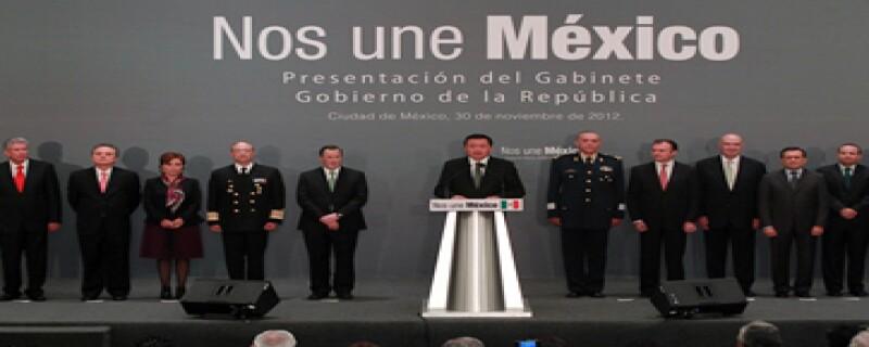 Desde su toma de posesión en Palacio Nacional hasta esta mañana en San Lázaro Enrique Peña Nieto ha impuesto moda entre los priistas.