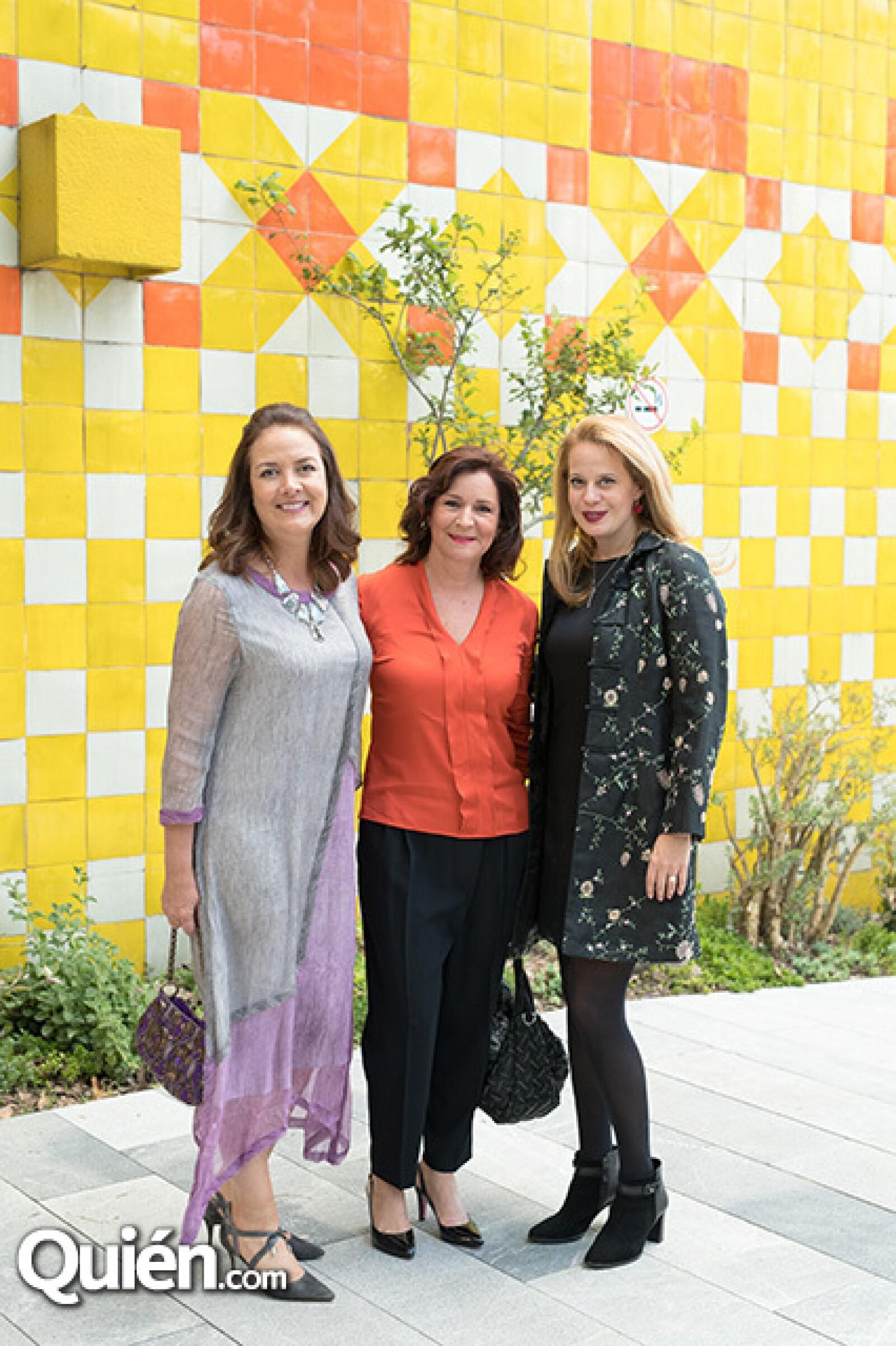 Mónica Burillo de Larrea, Andrea González y Mónica Fernández