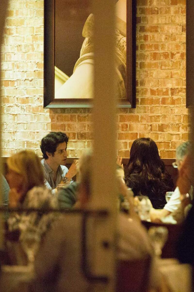 Fuentes aseguran que son solo amigos al igual que su salida a cenar. Pero esto no descarta la posibilidad de una posible relación en el futuro. ¿Será?