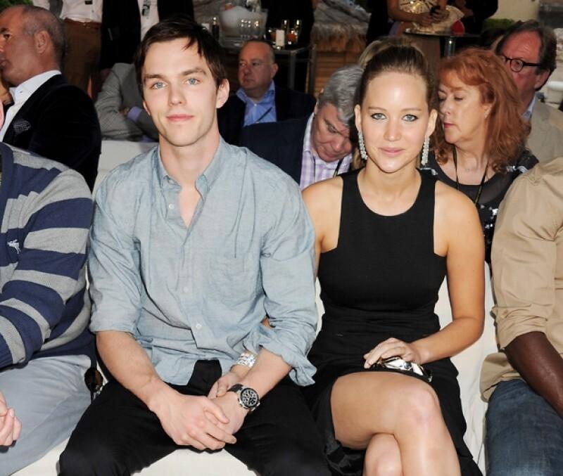 La pareja se separó hace dos meses y actualmente la actriz mantiene un romance con Chris Martin.