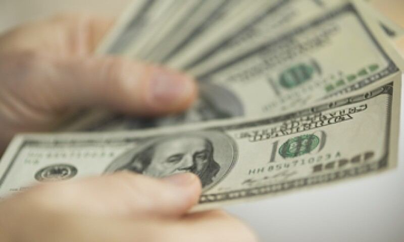 A la compra, el dólar se ubica en 16.05 pesos. (Foto: shutterstock.com)