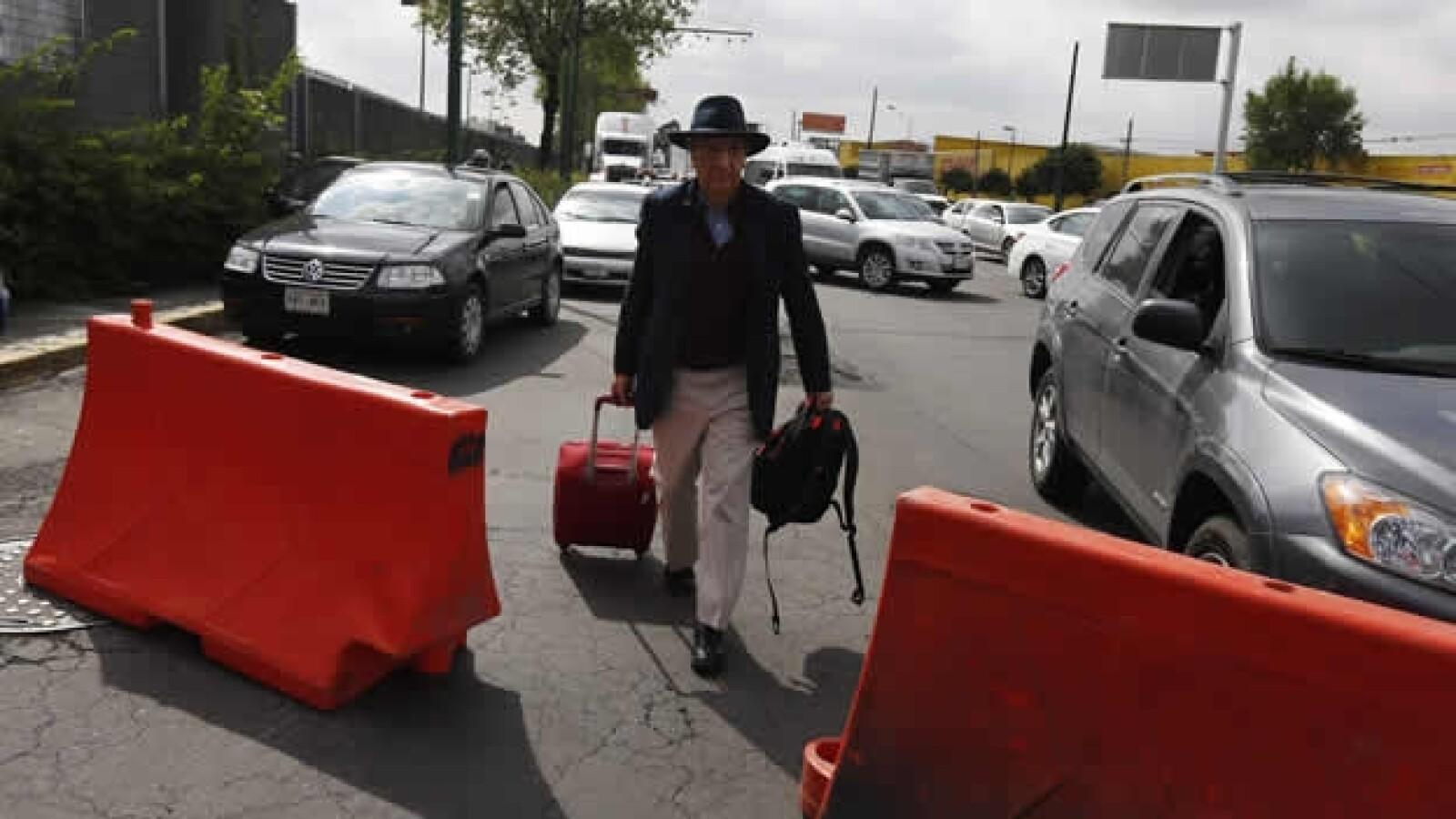 bloqueo aeropuerto CNTE 2