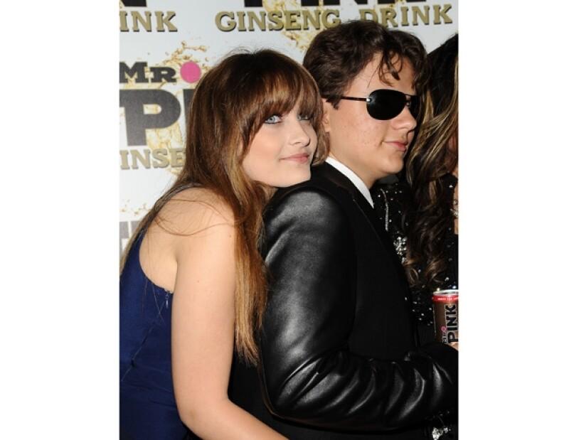 Jason Pfeiffer aseguró que Jackson le confesó que Paris y Prince Michael son hijos del actor Mark Lester. Quien sí es hijo del Rey del Pop es Blanket.