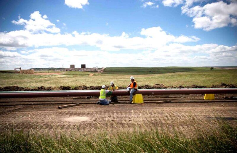 Construcci�n de tuber�as para agilizar el movimiento de petr�leo (Getty Images)