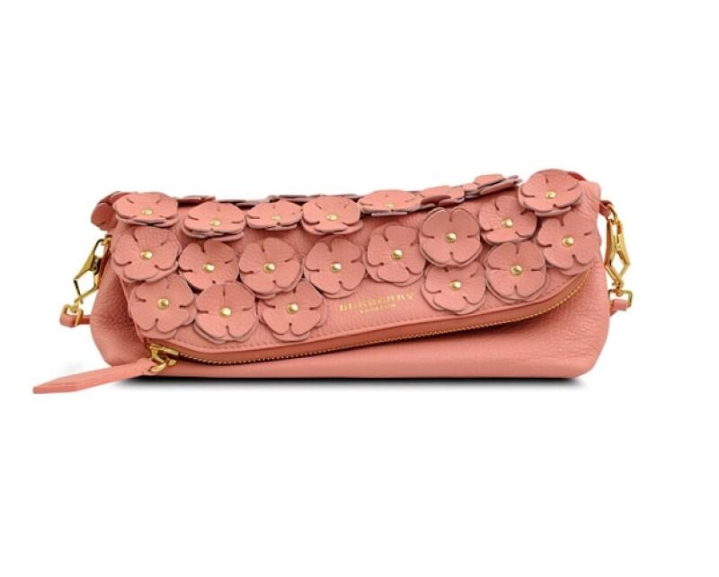 La primavera no está completa sin las flores, toma nota y lleva esta tendencia de la manera más stylish.