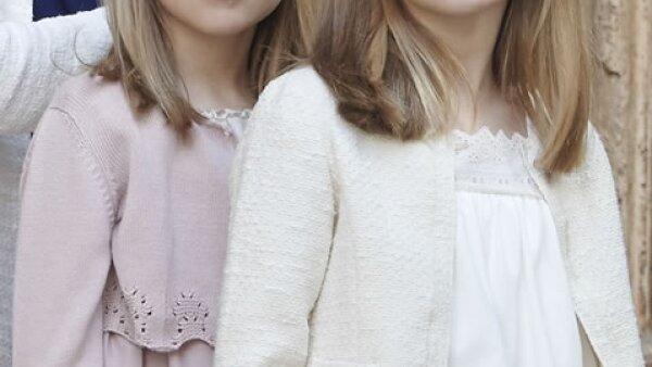 Leonor, princesa de Asturias y su hermana, la infanta Sofía. La mayor es primera en la línea de sucesión al trono de España.