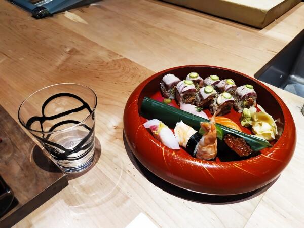 Platillo de sushi