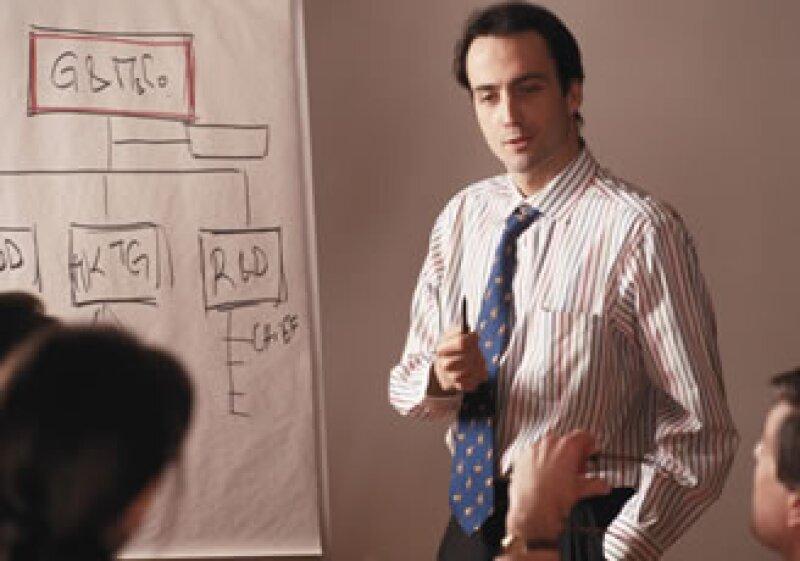 Hay que crear prácticas para ligar medir los logros de un empleado ligando su trabajo con el desempeño de la empresa. (Foto: Jupiter Images)