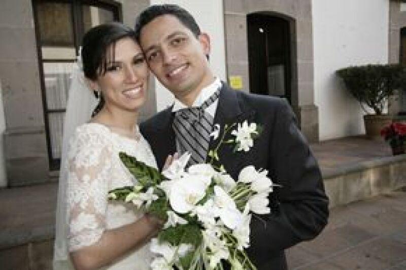 La pareja se casó después de un año de relación.
