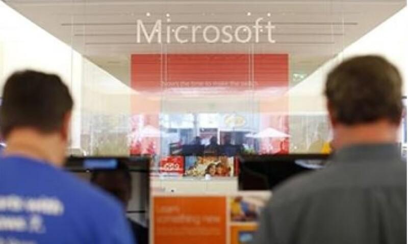 Las acciones de Microsoft se beneficiarán por el próximo lanzamiento del programa Windows 8.   (Foto: Reuters)