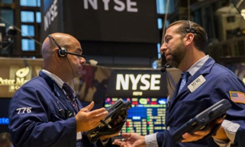 El Dow Jones retrocede 0.17%. (Foto: Reuters)