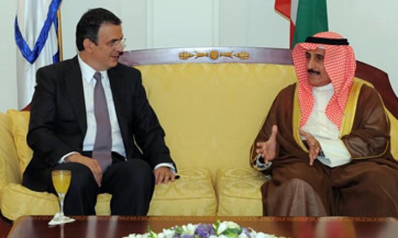 Marcelo Ebrard se reunió con las más altas autoridades de Kuwait y anunció resultados en inversión, infraestructura y cultura. (Foto: Notimex)
