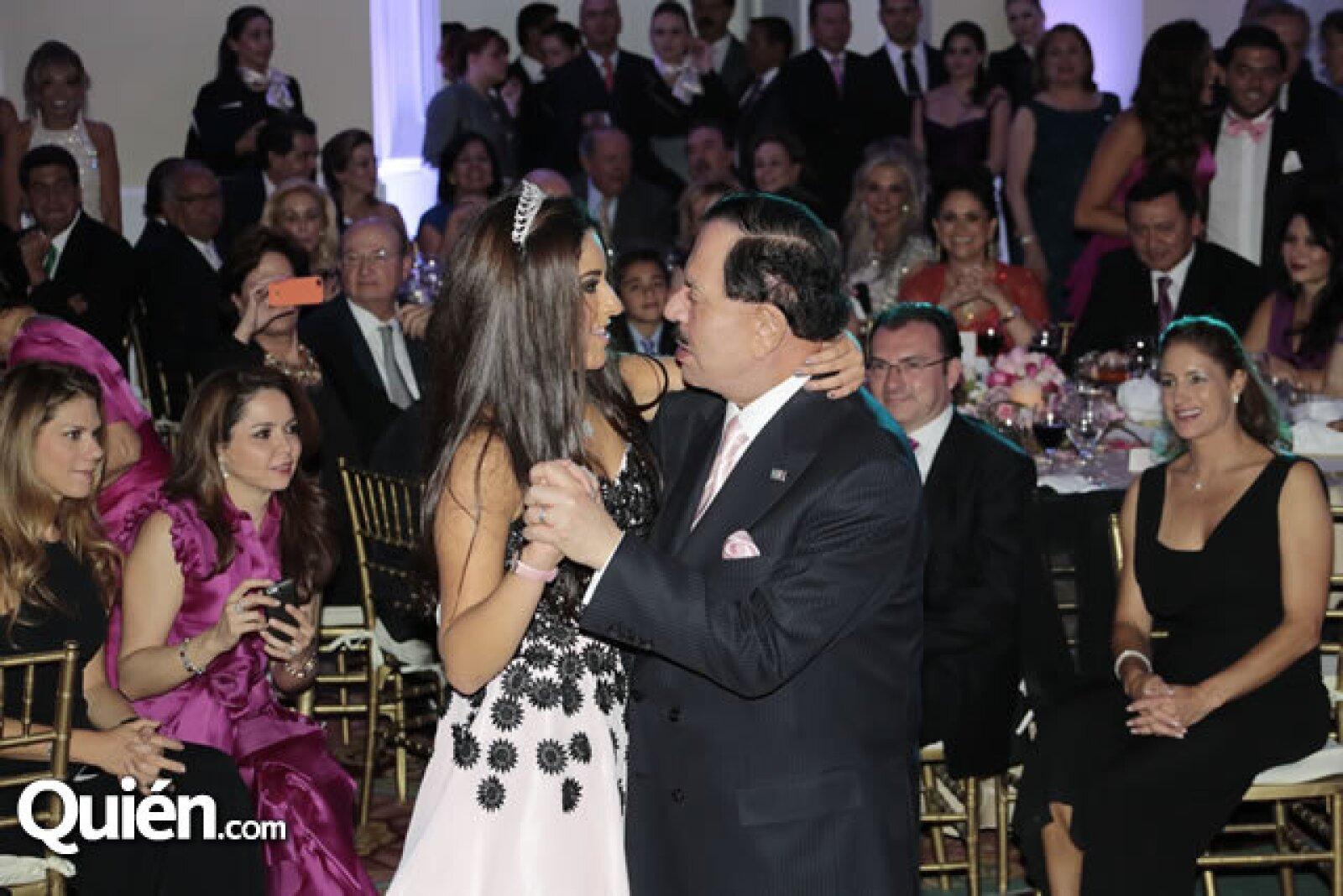 María Teresa Ealy,Juan Francisco Ealy Ortiz