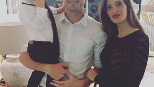 En junio la familia Casillas Carbonero le dio la bienvenida a su cuarto integrante y después de una larga espera, Sara por fin compartió una foto de la familia completa.