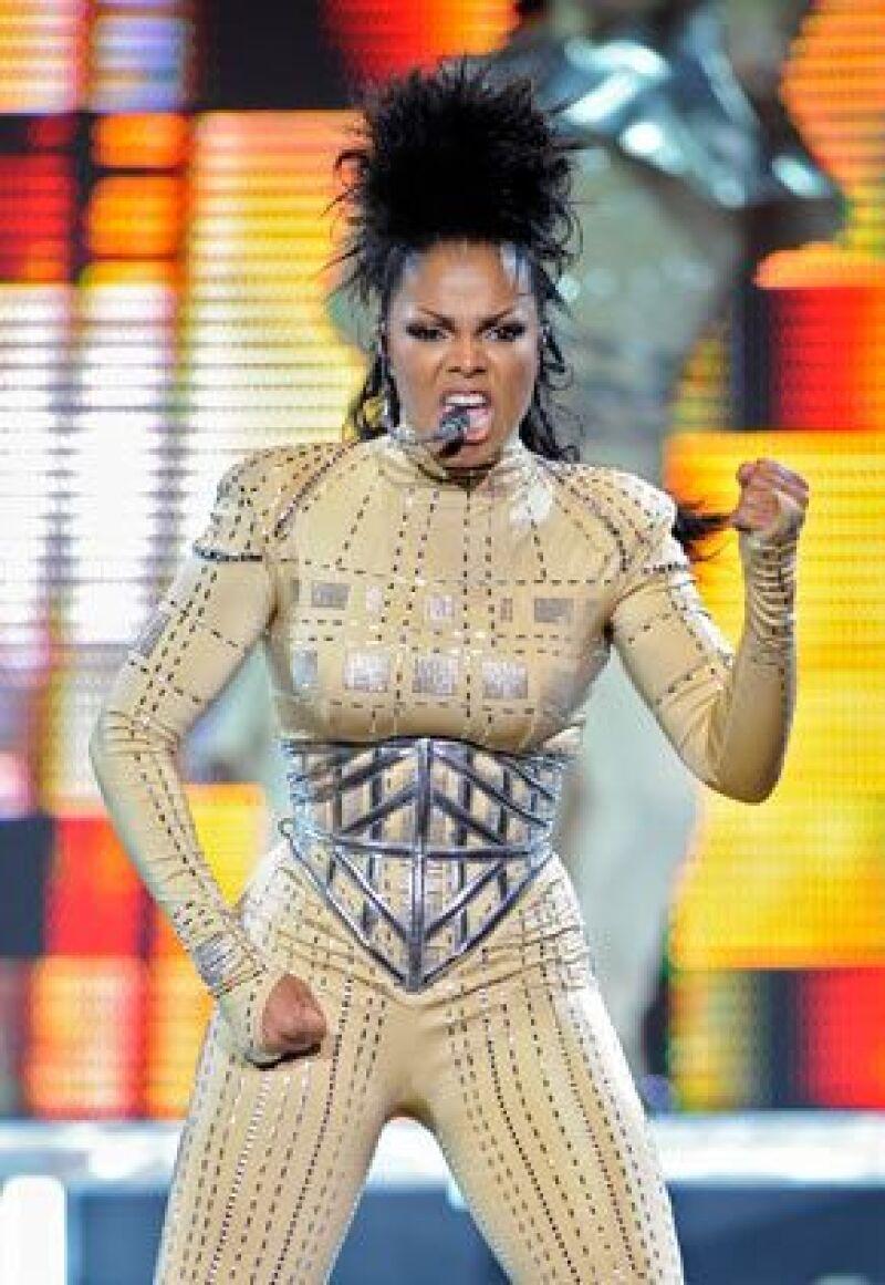La cantante se presentará esta noche en en Washington dos semanas después de interrumpir su tour por una ataque de vértigo asociado a una migraña.