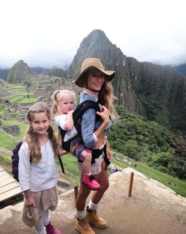 Con el hashtag #ElissaMirandayGeraldineaMachuPicchu, la actriz compartió con sus seguidores la visita madre e hijas a uno de los lugares más emblemáticos en Perú.