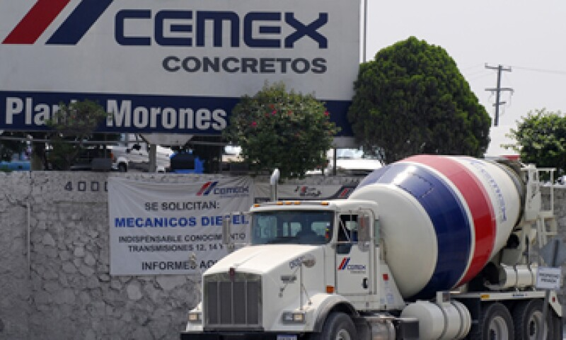La propuesta de refinanciamiento de los 7,250 millones de dólares que vencen en 2014 es crucial para que Cemex evite caer en incumplimiento, dice S&P. (Foto: AP)