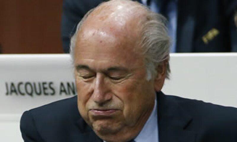 Blatter mostró todos los trucos aprendidos durante sus 17 años al frente de la FIFA. (Foto: Reuters )