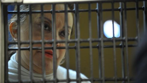 La presidenta vitalicia del SNTE tiene padecimientos crónicos por lo que fue trasladada del penal de Santa Martha Acatitla al de Tepepan donde cuentan las instalaciones para atenderla.