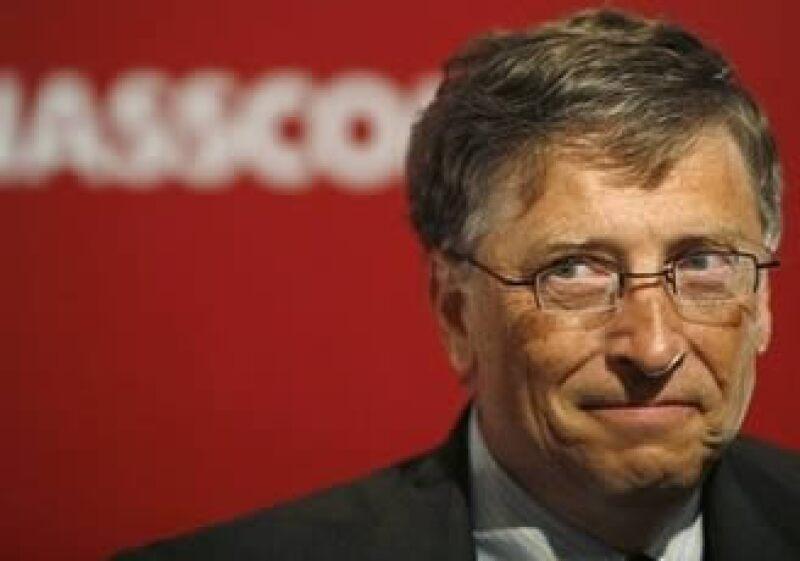 Gates sólo sigue a 52 personas dentro de esta red social. (Foto: AP)