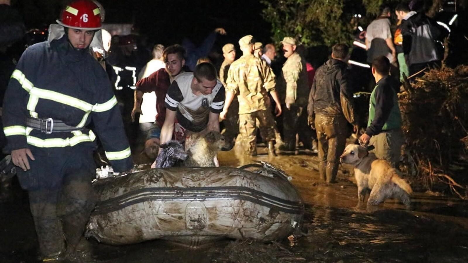 Tbilisi evacuaciones Georgia inundaciones