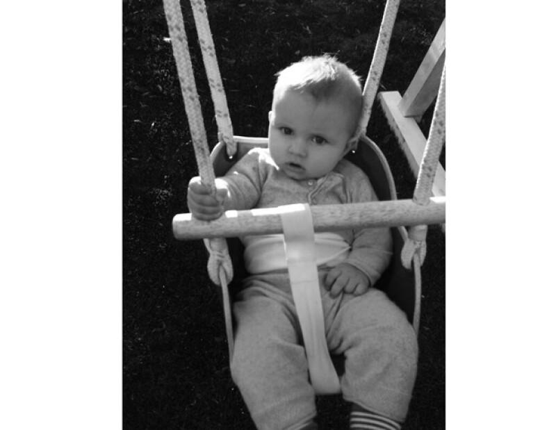 La empresaria compartió una imagen de su pequeño de seis meses, Ace Knute, demostrando que está a punto de dejar de ser un bebé.